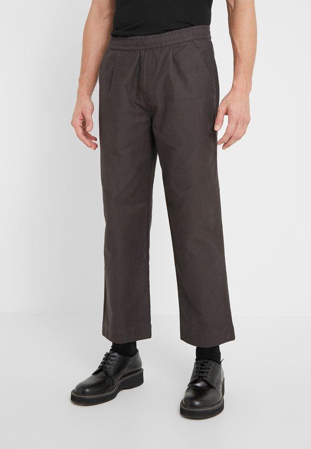 ALBER PANT - Kalhoty - charcoal
