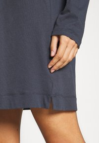 Marc O'Polo - SLEEPSHIRT CREW NECK - Pyjama top - graphit - 5