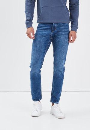 UMWELTFREUNDLICHE - Jeans a sigaretta - denim stone