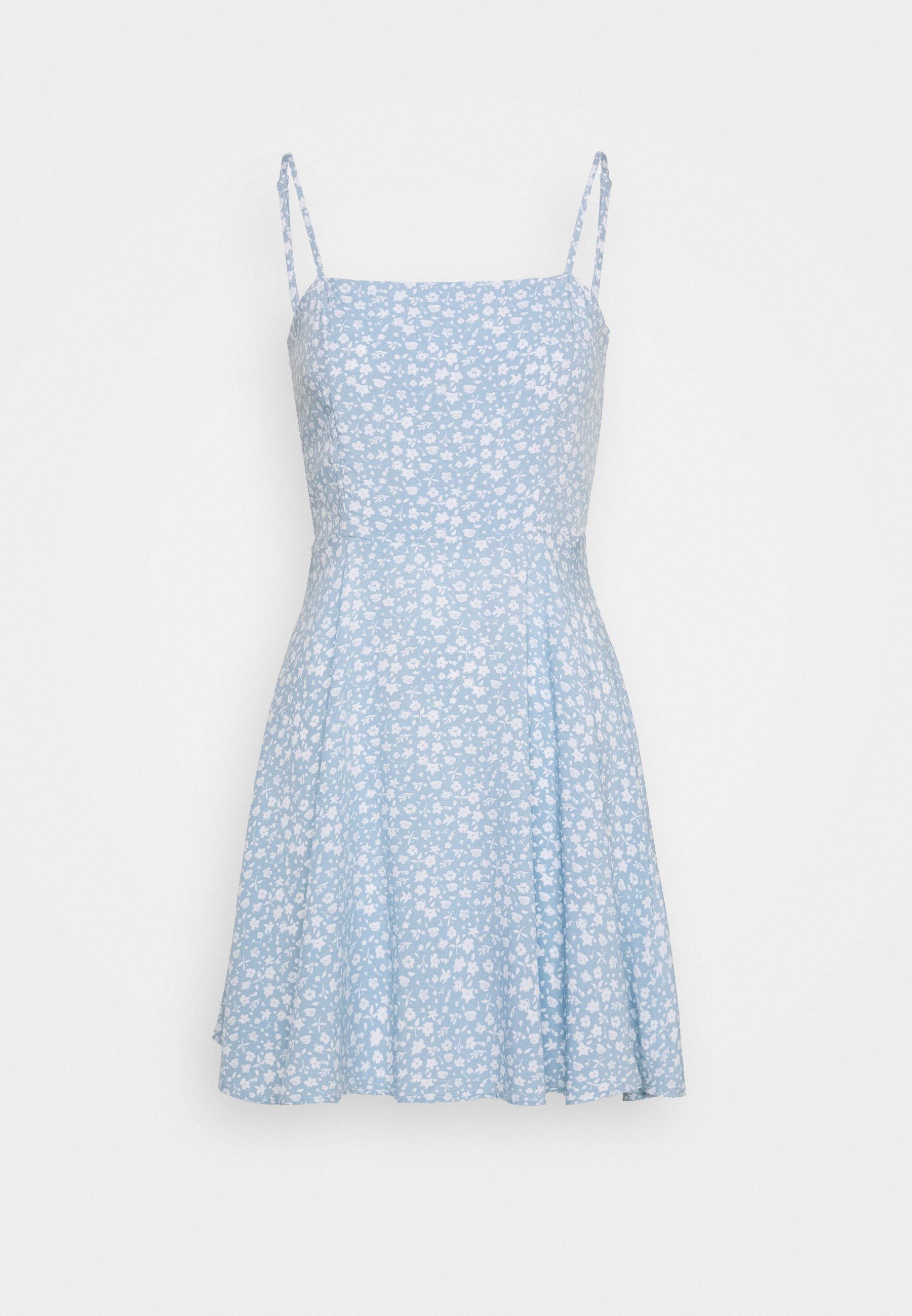 Na Kd Pamela Reif X Na Kd Flowy Mini Dress Freizeitkleid Light Blue Hellblau Zalando De