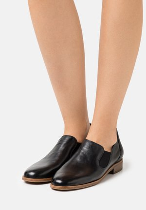 Loafers - nero new