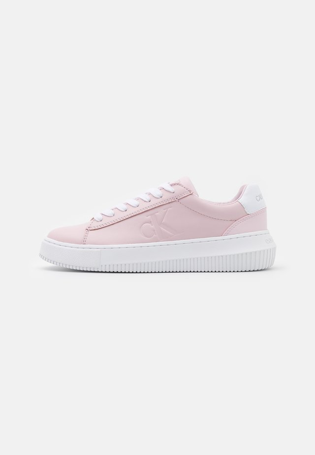 CHUNKY SOLE LACEUP  - Sneakersy niskie - pearly pink