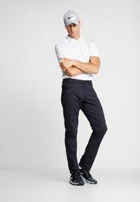 Nike Golf - DRY VAPOR CAMO - Funkční triko - pure platinum/white/white - 1