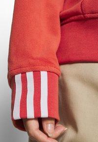 adidas Originals - SPORTS INSPIRED LOOSE HOODED  - Hættetrøjer - coral - 5