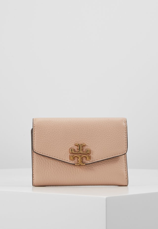 KIRA MIXED MATERIALS MEDIUM FLAP WALLET - Lompakko - devon sand