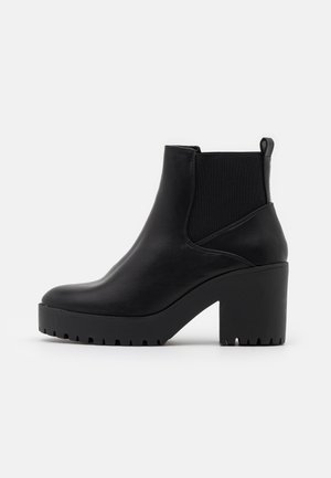 CYBIL CHELSEA CHUNKY - Platform ankle boots - black