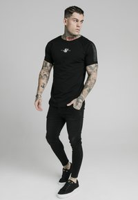SIKSILK - T-shirt print - black - 4