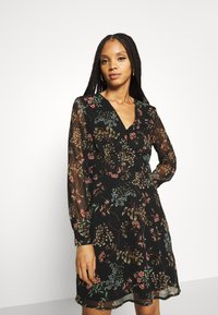 Vero Moda - VMJULIE SHORT DRESS - Day dress - black/julie - 3