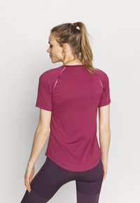 Under Armour - RUSH SCALLOP  - T-shirt con stampa - pink quartz - 2