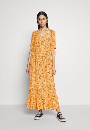 PCNIMMA ANKLE DRESS - Vestito lungo - artisans gold