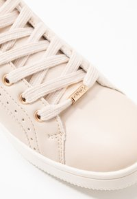 ONLY SHOES - ONLSHILOH - Zapatillas - beige - 2