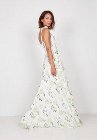 True Violet - Maxi dress - white - 3