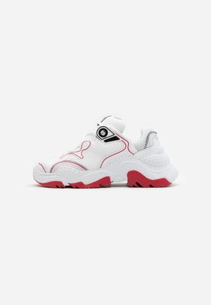BILLY - Trainers - red