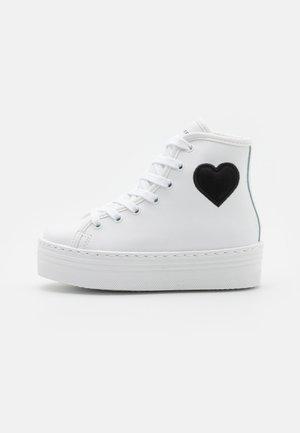 EYE HEART - Sneakersy wysokie - white
