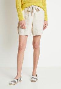 Lounge Nine - LAUREN - Shorts - beige - 0