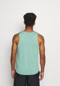 Nike Performance - MILER TANK - Camiseta de deporte - healing jade /geode teal/reflective silv - 2