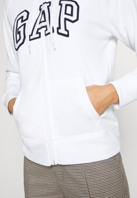 GAP - Mikina na zip - white