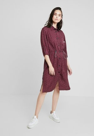 CRATER - Robe chemise - berry