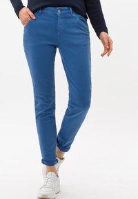 BRAX - SHAKIRA - Slim fit jeans - clean light blue - 0