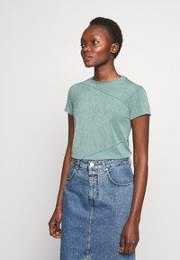 Mykke Hofmann - TEA - T-shirt imprimé - mint green - 0