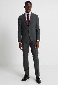 Tommy Hilfiger Tailored - SLIM FIT SUIT - Suit - grey - 0