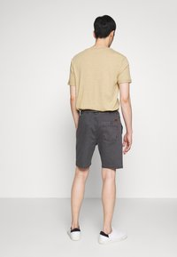 INDICODE JEANS - THISTED - Shorts - dark grey - 2
