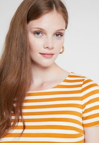 Vila - VITINNY NEW DRESS - Shift dress - golden oak/snow white - 4
