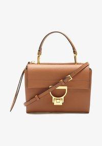 Coccinelle - Handbag - braun - 1
