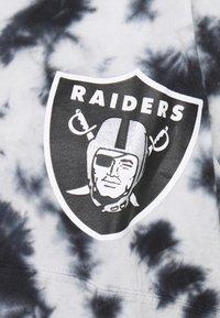 New Era - NFL OAKLAND RAIDERS TIE DYE LONG SLEEVE - Club wear - grey - 3