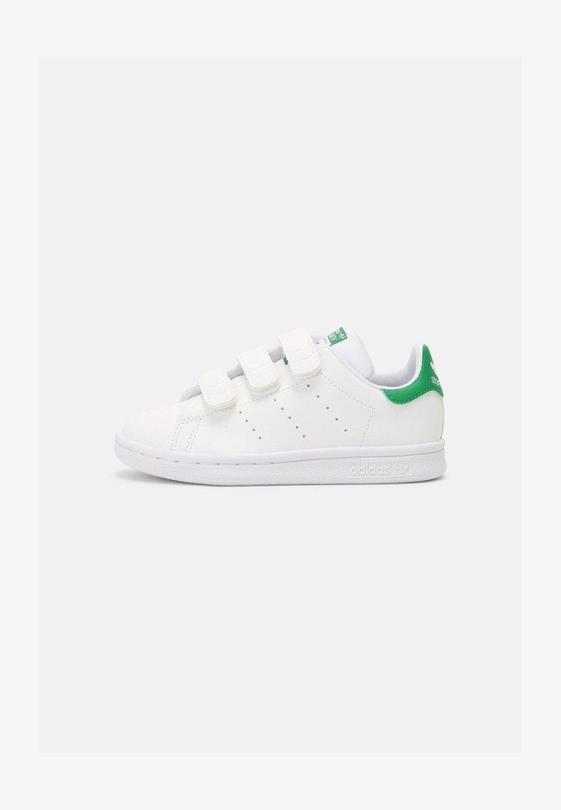 adidas Originals - STAN SMITH UNISEX - Trainers - white/green