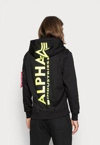 Alpha Industries - HOODY - Hoodie - black/neon yellow - 2