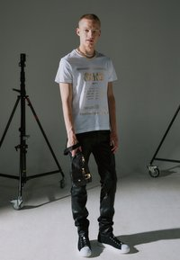 Versace Jeans Couture - RANGE COUTURE UNISEX - Ledvinka - nero - 2