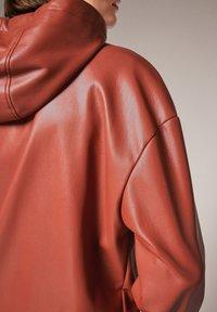 comma - Faux leather jacket - cinnamon - 2