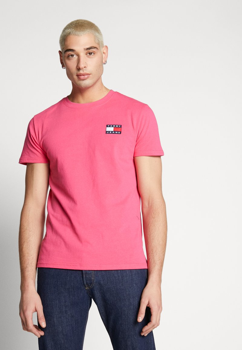 Tommy Jeans - BADGE TEE  - T-shirt basic - bright cerise pink