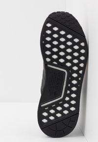 adidas Originals - NMD_R1 - Joggesko - core black/solar red - 4