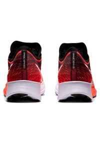 ASICS - MAGIC SPEED - Tekmovalni tekaški čevlji - sunrise red/white - 1