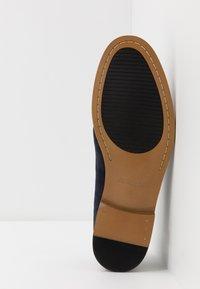 Madden by Steve Madden - EXCESS - Elegantní šněrovací boty - navy - 4