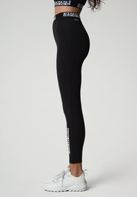 Napapijri - M-BOX LEGGINGS - Leggings - Trousers - black - 3