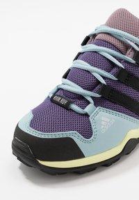 adidas Performance - TERREX AX2R RAIN.RDY - Trekingové boty - tech purple/core black/legend purple - 2