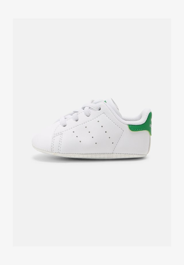 STAN SMITH CRIB UNISEX - Babyskor - white