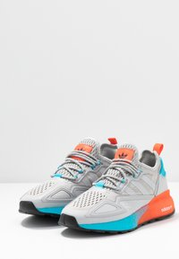 adidas Originals - ZX 2K BOOST  - Trainers - grey two/signal cyan - 4
