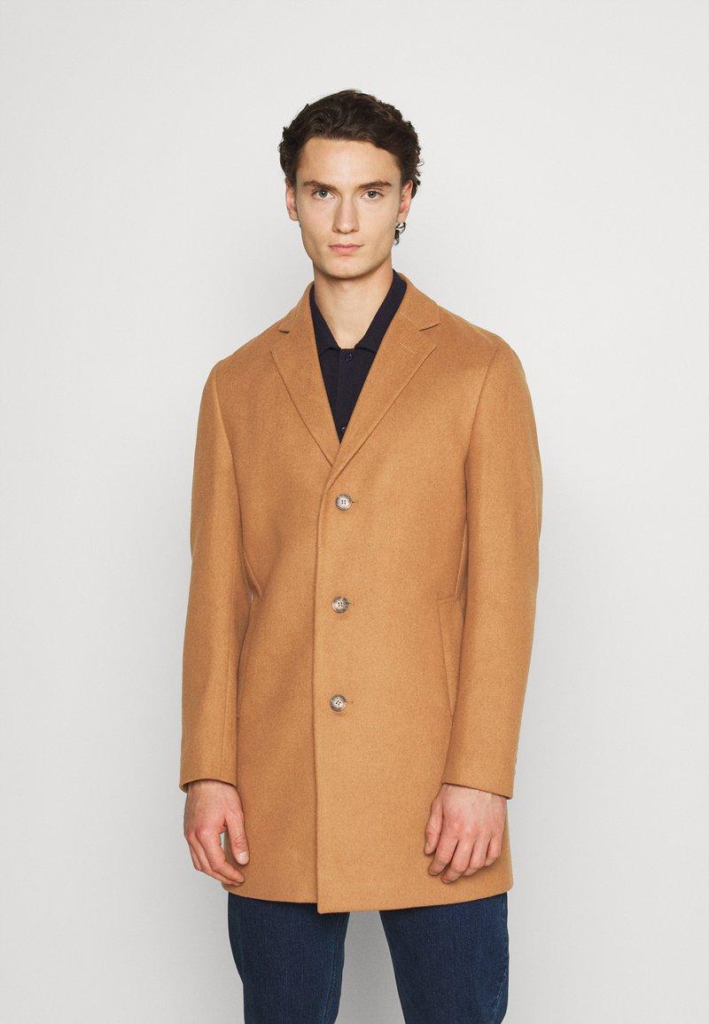 Isaac Dewhirst - Classic coat - camel