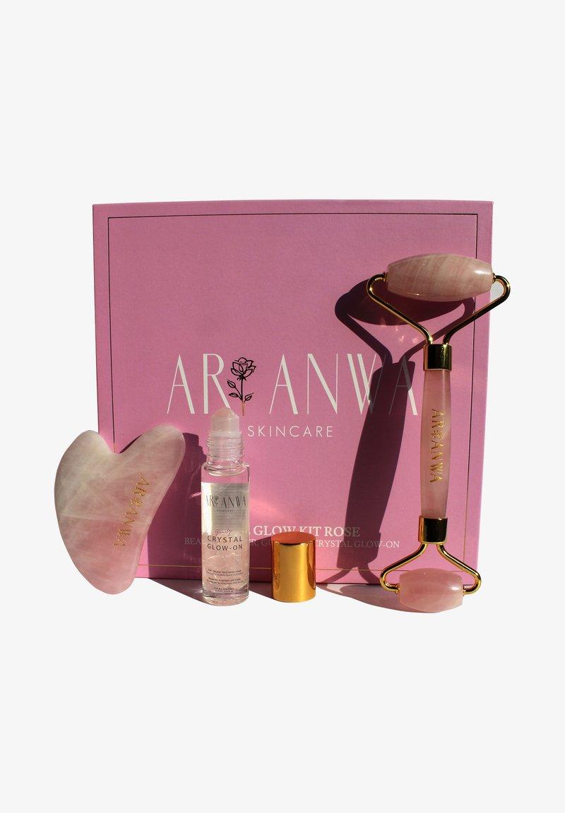 ARI ANWA Skincare - THE GLOW KIT ROSE - Skincare tool - -
