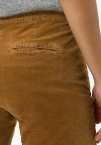 BRAX - STYLE MAREEN - Trousers - faded caramel - 4