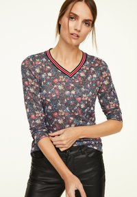 comma casual identity - MIT ALLOVER-PRINT - Long sleeved top - black camouflage - 0