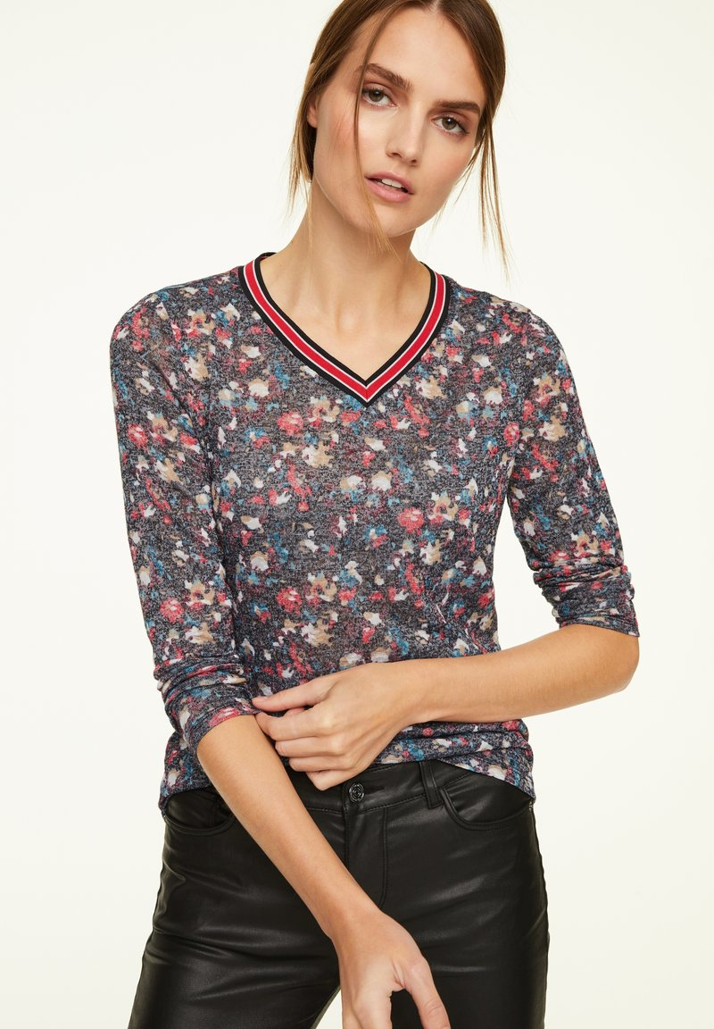 comma casual identity - MIT ALLOVER-PRINT - Long sleeved top - black camouflage