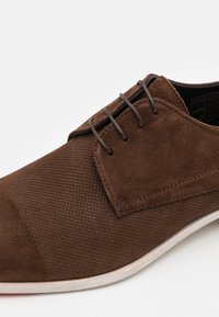 HUGO - MIDTOWN - Šněrovací boty - dark brown - 5