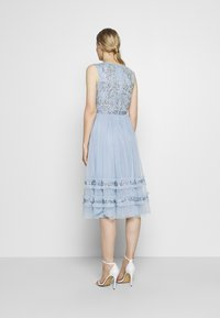 Maya Deluxe - SLEEVELESS MIDI DRESS WITH RUFFLE DETAIL SKIRT - Cocktail dress / Party dress - pearl blue - 2