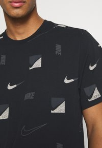 Nike Sportswear - TEE BRANDRIFF - T-shirt print - black - 5
