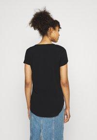 Vero Moda - VMBECCA PLAIN - T-shirt - bas - black - 2